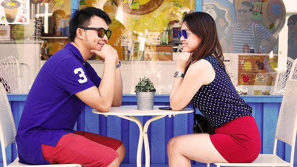 How to Pick Excellent Matching Couples T-shirts?